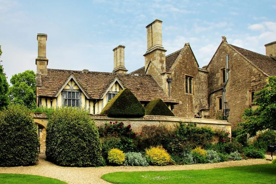 What Does 2020 Hold for The UK Property Market? - Estate Agent Software